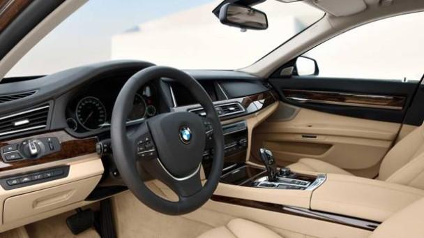 Der BMW 7 innen