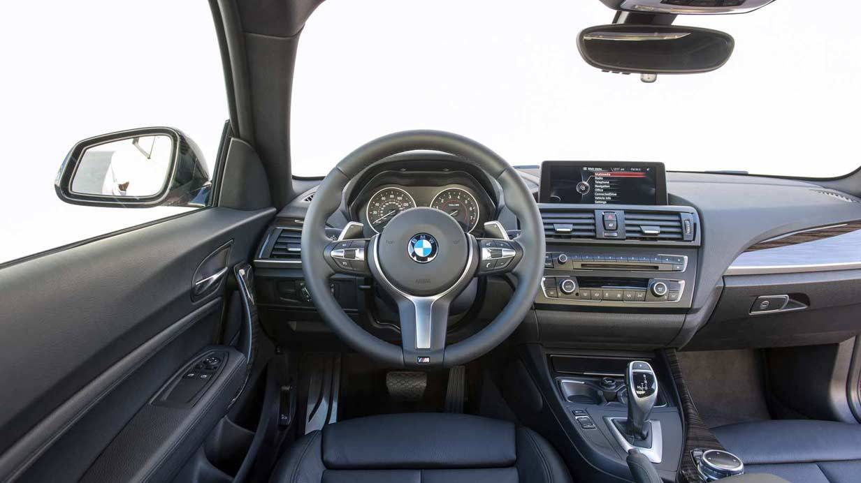 _BMW-M235i-innen2