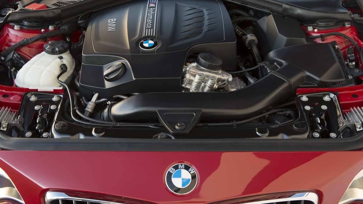 _BMW-M235i-motor