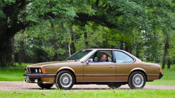 Ein BMW 635 CS mit seinem Besitzer