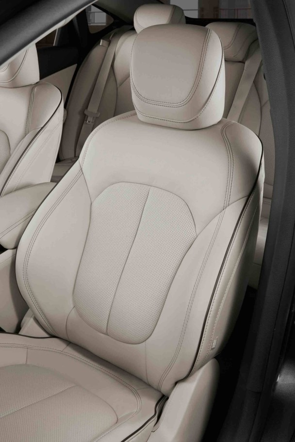 _Chrysler-200-fahrersitz