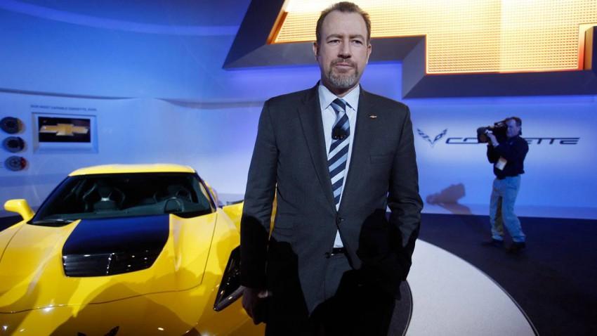 Daniel Ammann steht vor einer Corvette Stingray ZO6