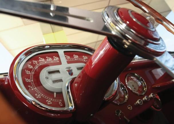_Fiat 8V Ghia silber innen2