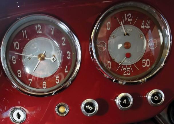 _Fiat 8V Ghia silber innen3