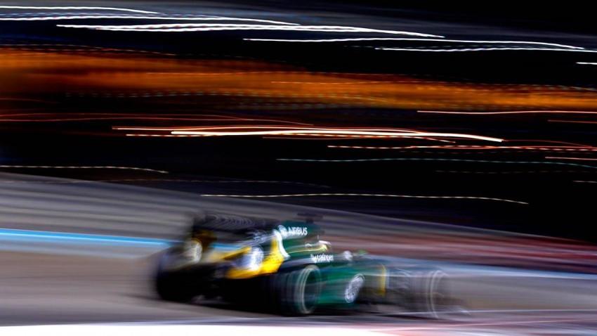 Formel-1-Rennauto von Caterham beim GP von Abu Dhabi 2013