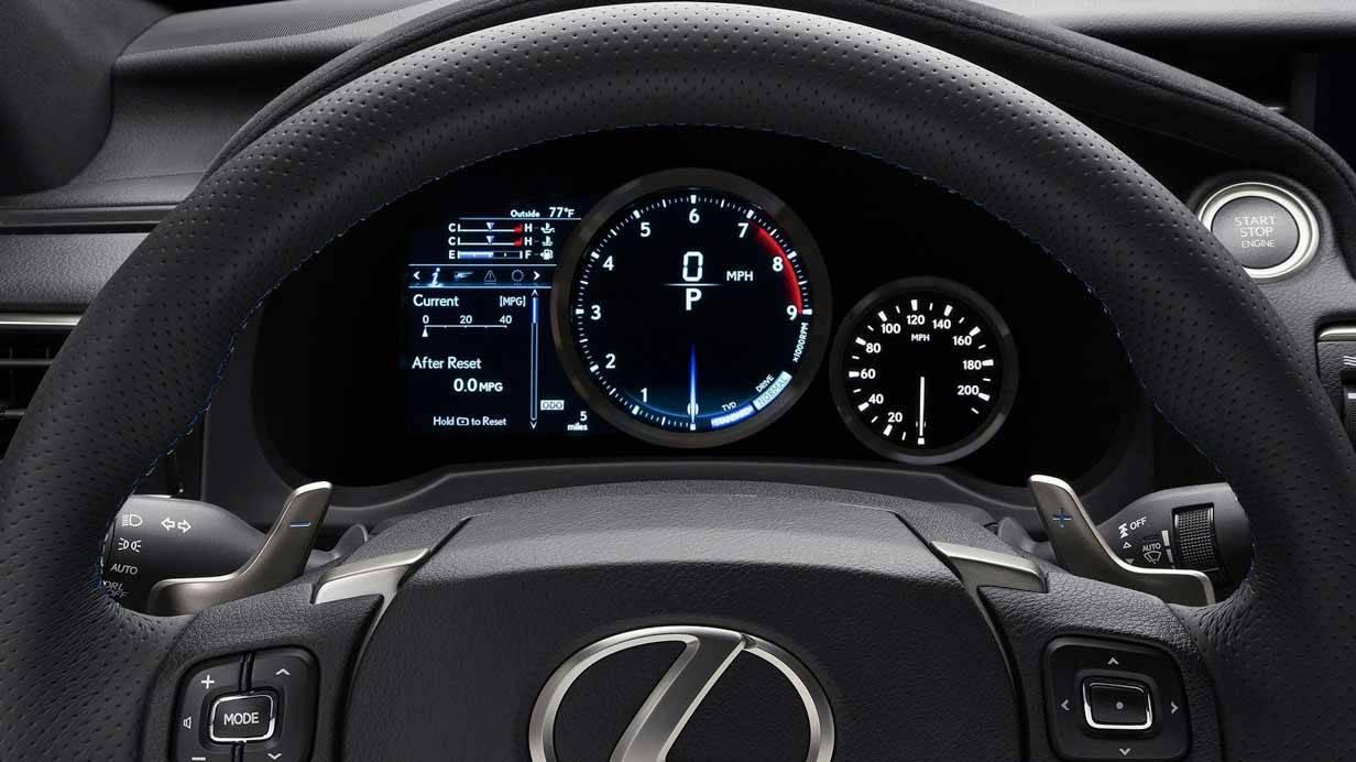 _Lexus-RC-F-cockpit