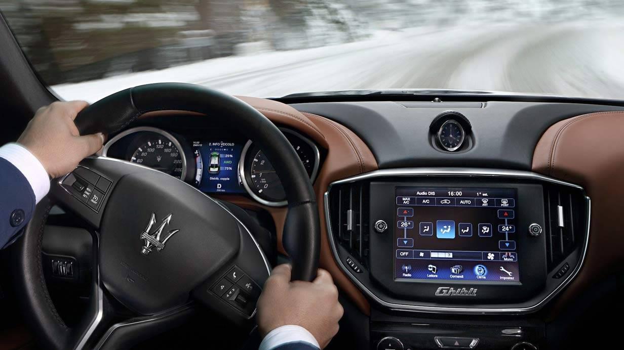 _Maserati-Ghibli-S-Q4-innen