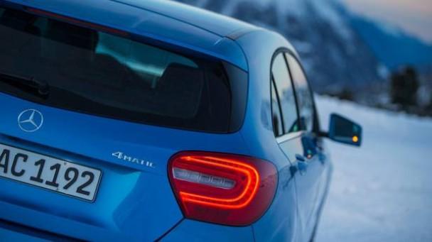 _Mercedes-Benz-A250-4matic-heck-detail