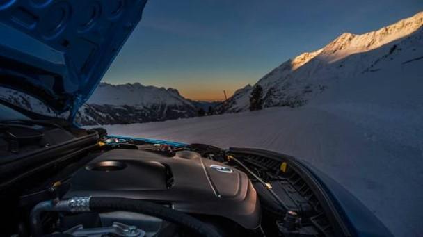 _Mercedes-Benz-A250-4matic-motor