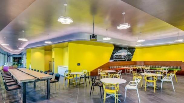 _Mercedes-Benz-Entwicklungszentrum-in-Sunnyvale-innen