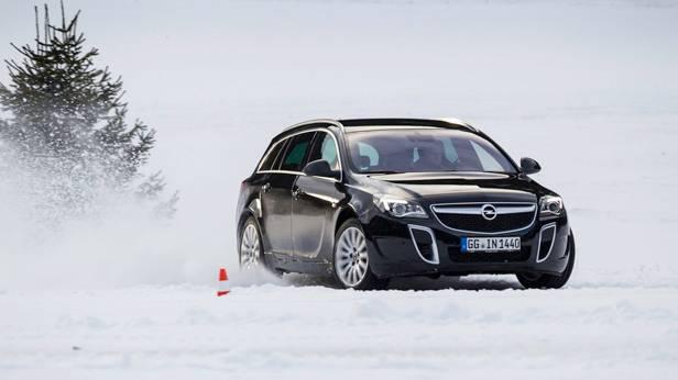Der Opel Insignia Sports Tourer OPC im Schnee