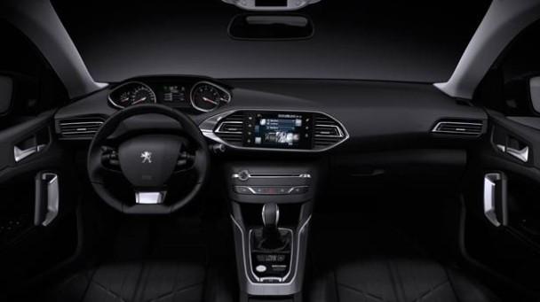 _Peugeot-308-SW-Genfer-Salon-2014-innen