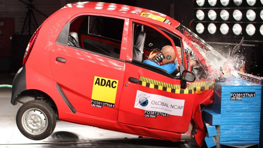 Der Tata Nano im Crash-Test.