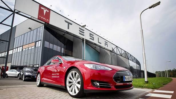 Das Tesla Werk in Tilburg
