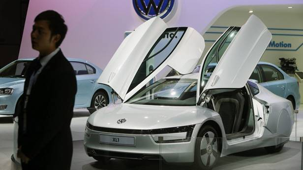 VW XL 1 Plug-in Diesel Hybrid in Guangzhou 2013