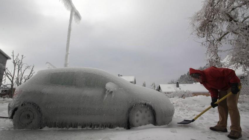 Bild des Tages Winter in Slowenien Eiskratzer Postojna