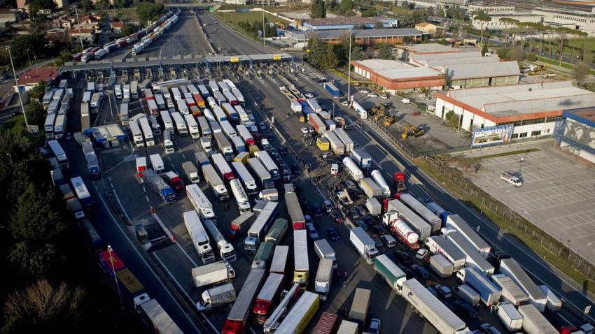 autobahn blockade italien protest
