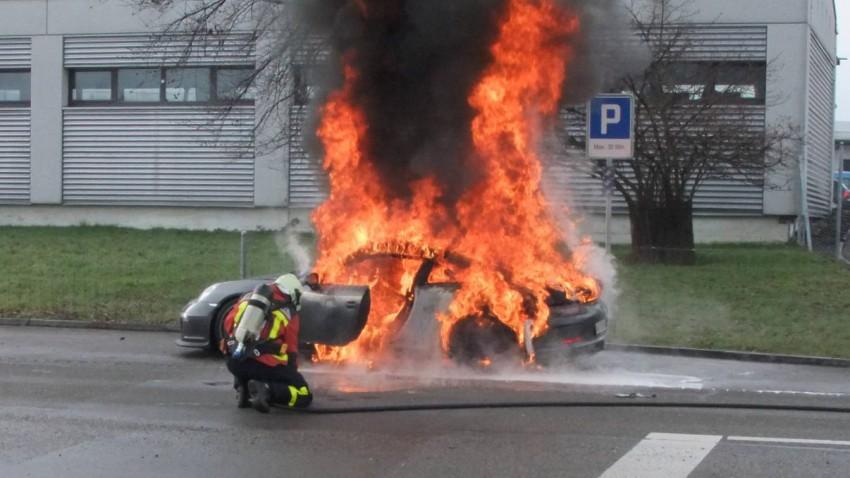 911 gt3 ausgebrannt brennt