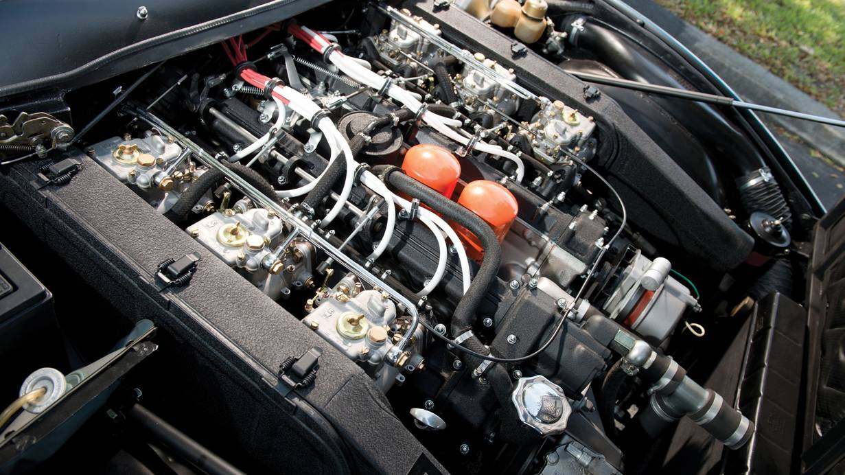 ferrari 365 gtc/4 blau motor motorraum