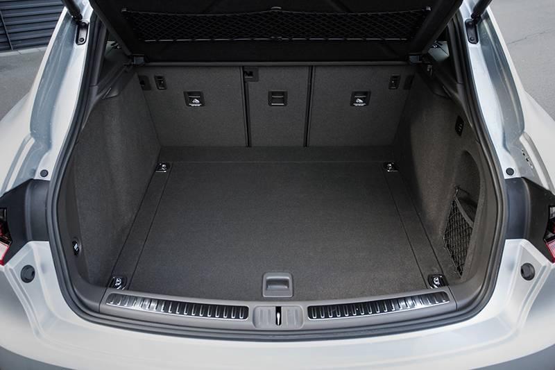 porsche macan s diesel silber 2014 kofferraum hinten innen