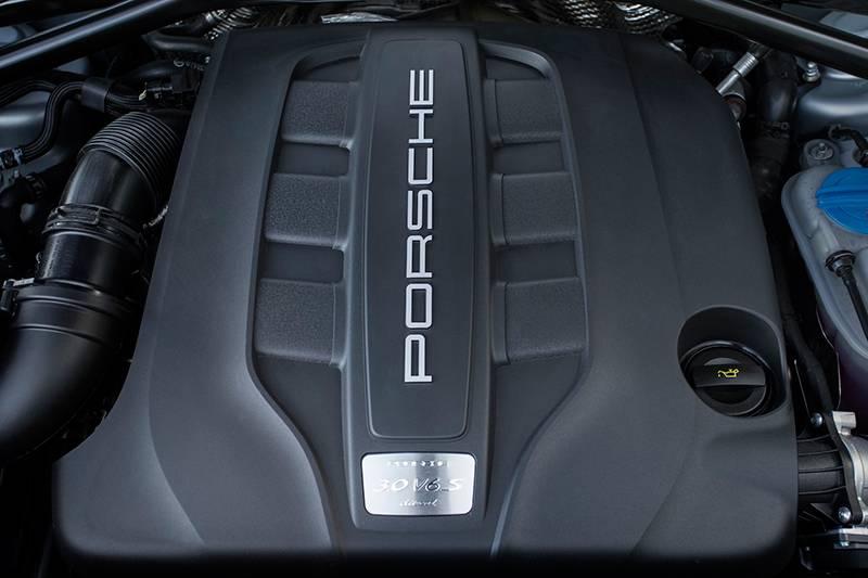 porsche macan s diesel silber 2014 motor motorraum