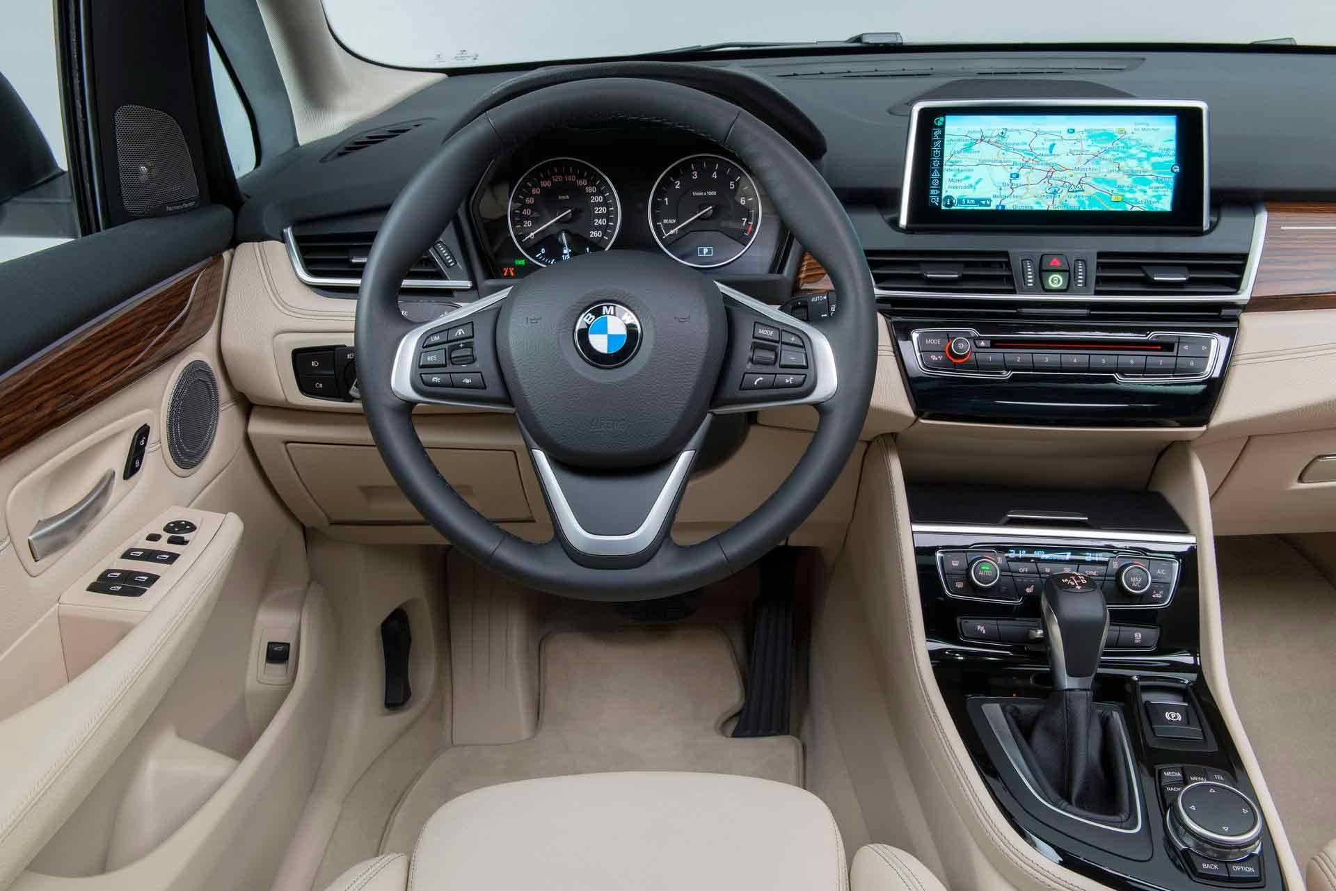 _BMW-Active-Tourer-innen2