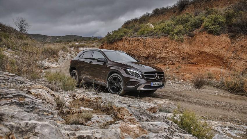 Mercedes benz gla 220 cdi 4matic seite vorne