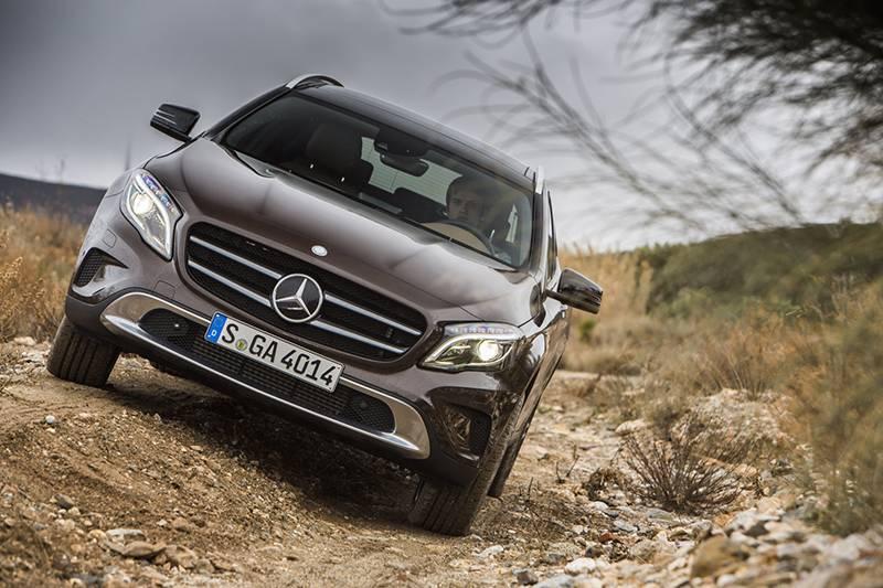 Mercedes benz gla 220 cdi 4matic vorne front