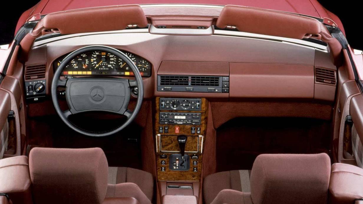 _Mercedes-SL-R129-innen