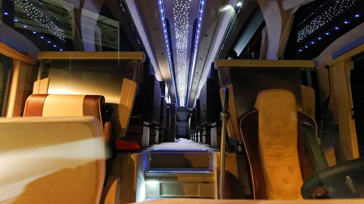_Neoplan-Starliner-innen11