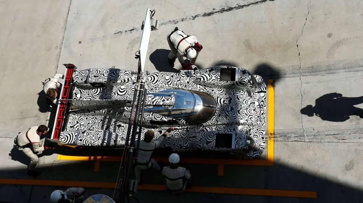 _Porsche-919-Hybrid-Tests-in-Bahrain-oben
