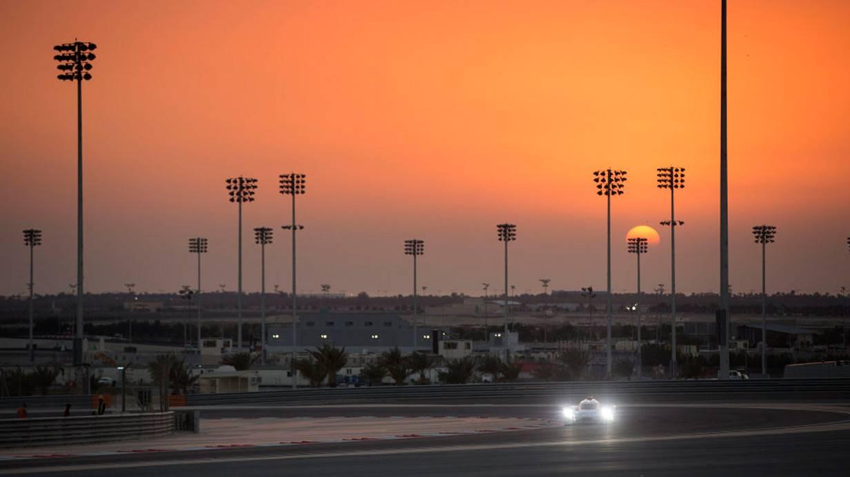 _Porsche-919-Hybrid-Tests-in-Bahrain-rennstrecke4