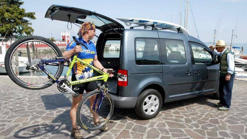 Der VW Caddy 2004