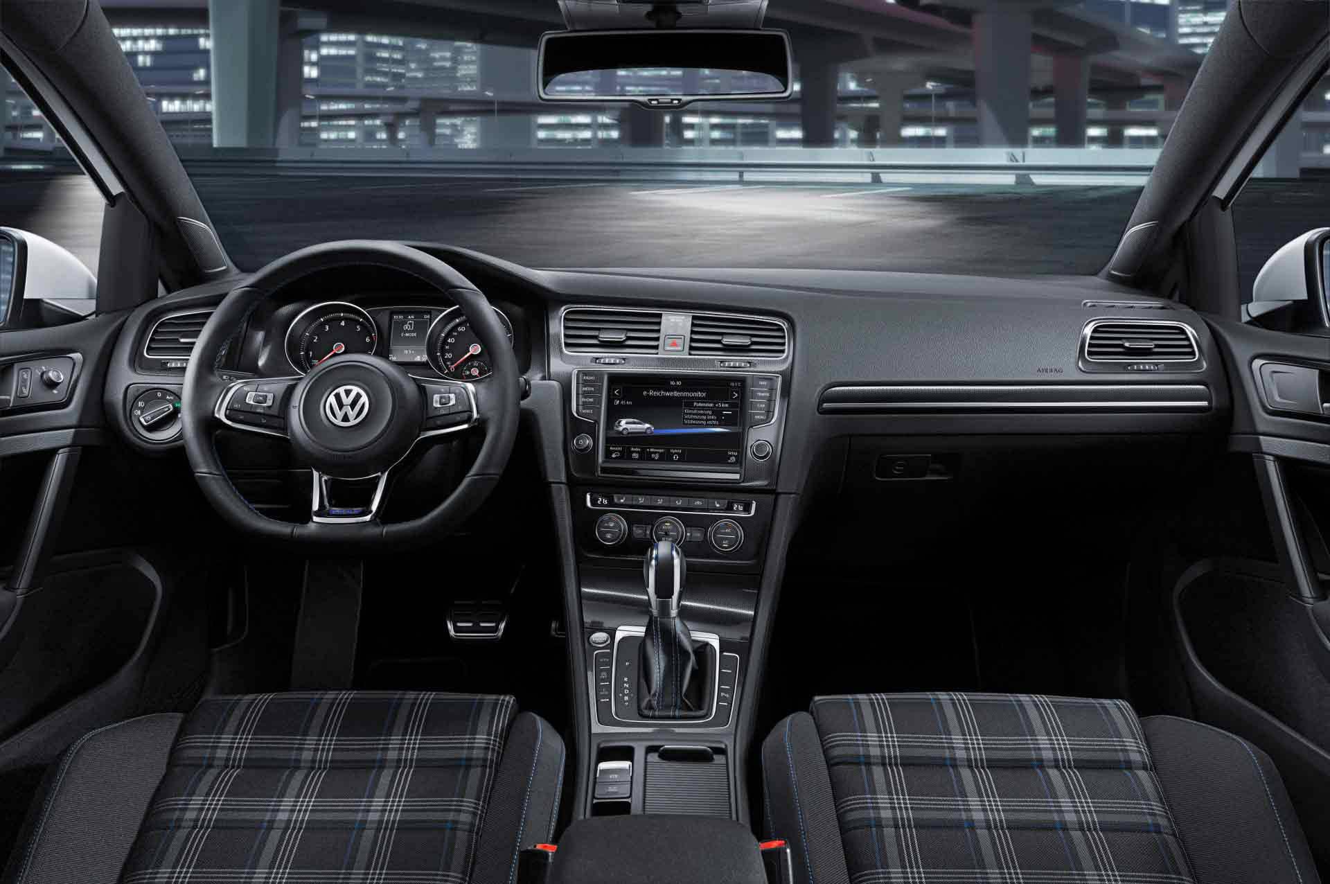 _VW-Golf-GTE-innenraum