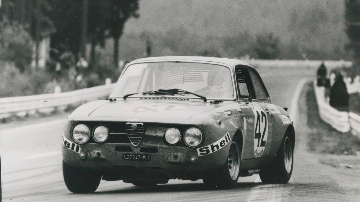 _Alfa-Romeo-Giulia-Sprint-GTA-archiv