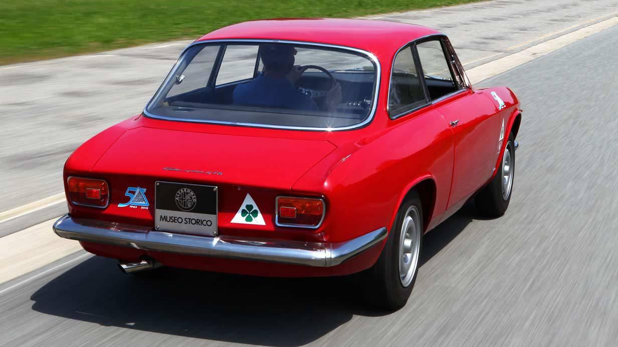 _Alfa-Romeo-Giulia-Sprint-GTA-heck2