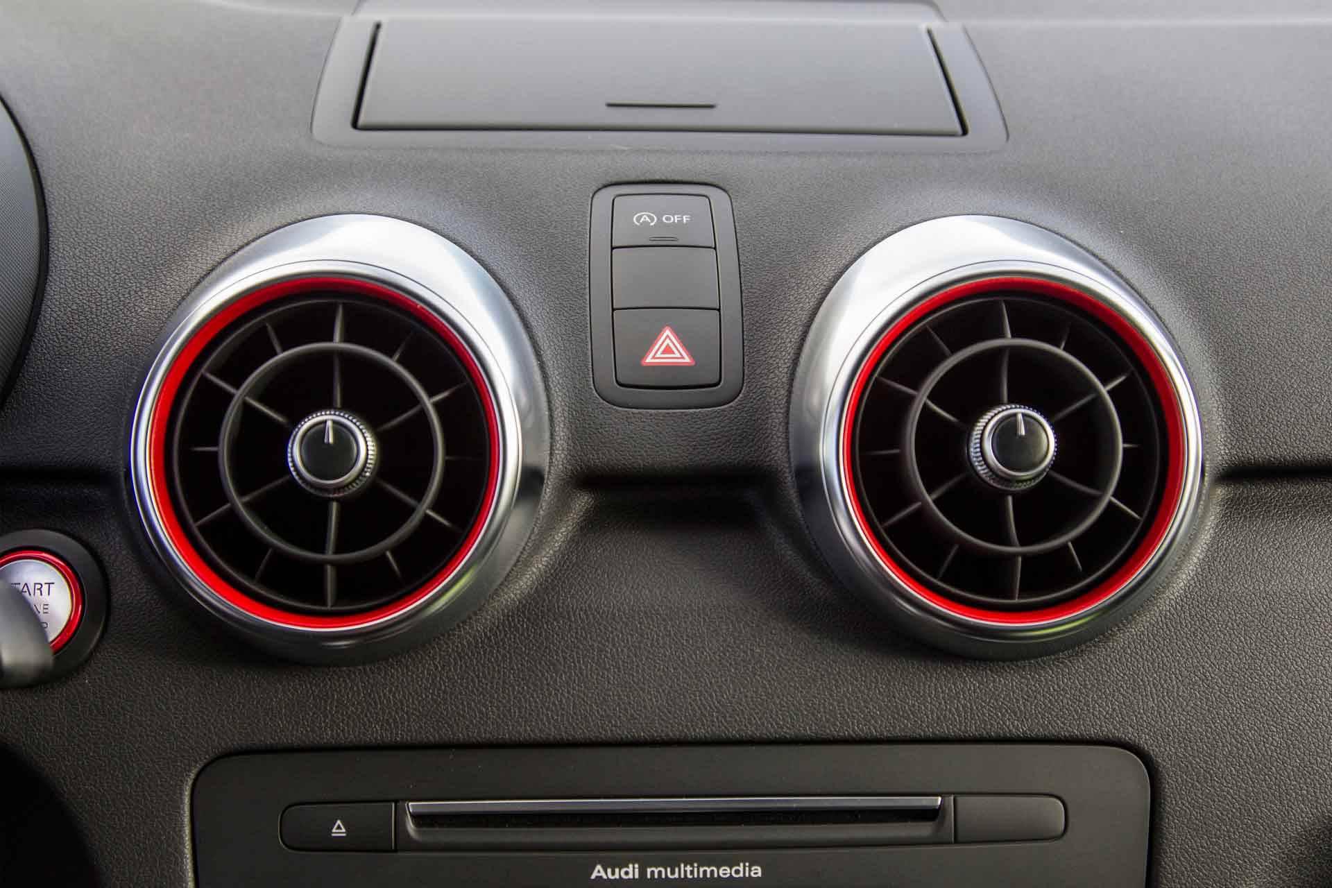 _Audi-S1-innen