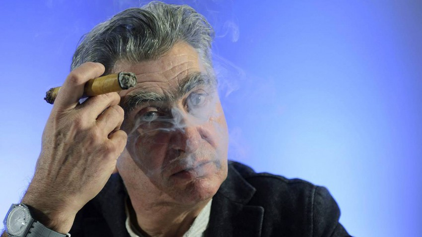 nick hayek swatch smoking