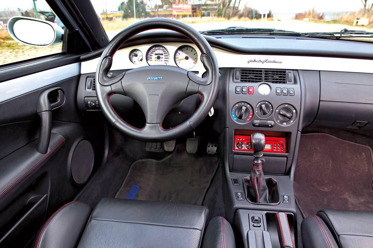coupe fiat turbo 20v innenraum cockpit armaturen