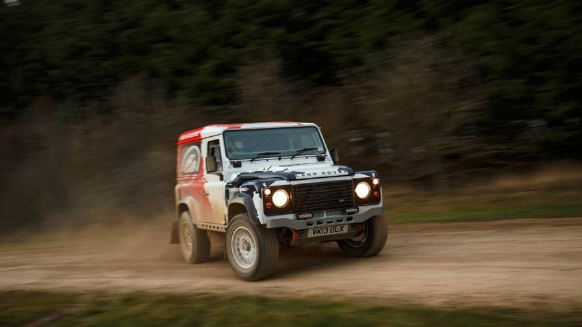 Land Rover Defender Bowler Challenge 2014 drift vorne seite