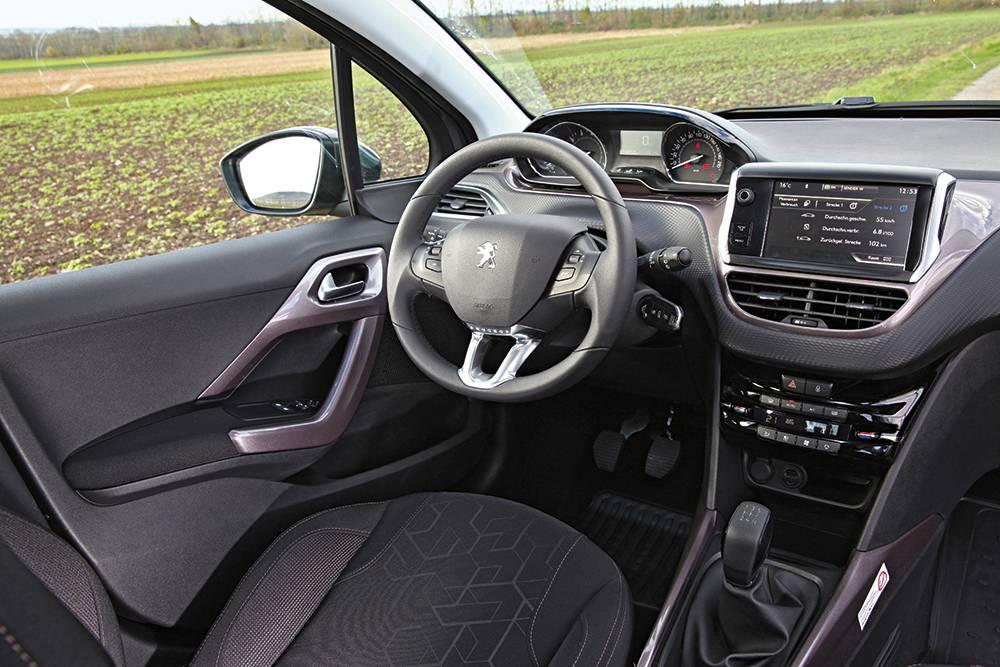 CROSSOVER Peugeot baut mit dem 2008 auf seine Art ein kleines Auto mit großer Wirkung und erstaunlichem Platzangebot.