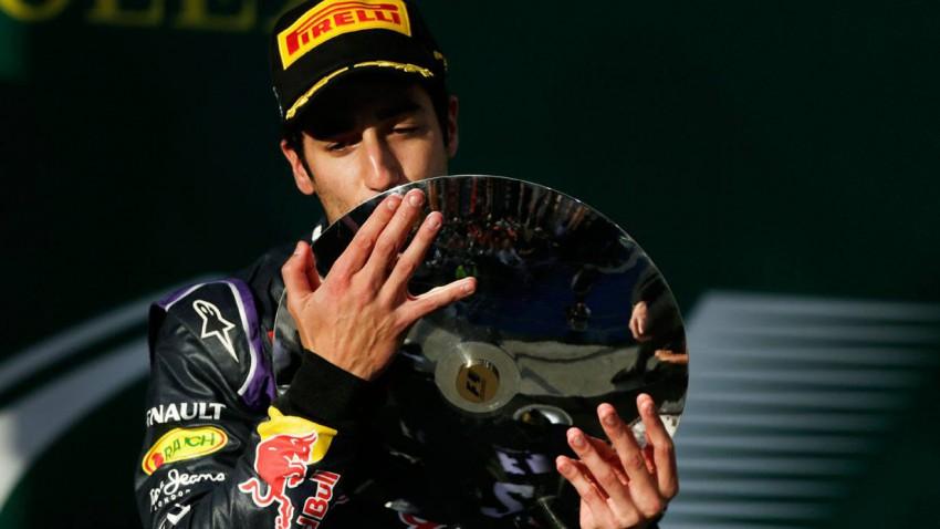 Daniel Ricciardo bei der Siegerehrung