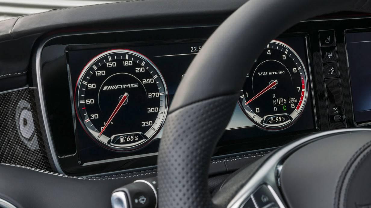 _Mercedes-S-63-AMG-Coupé-cockpit