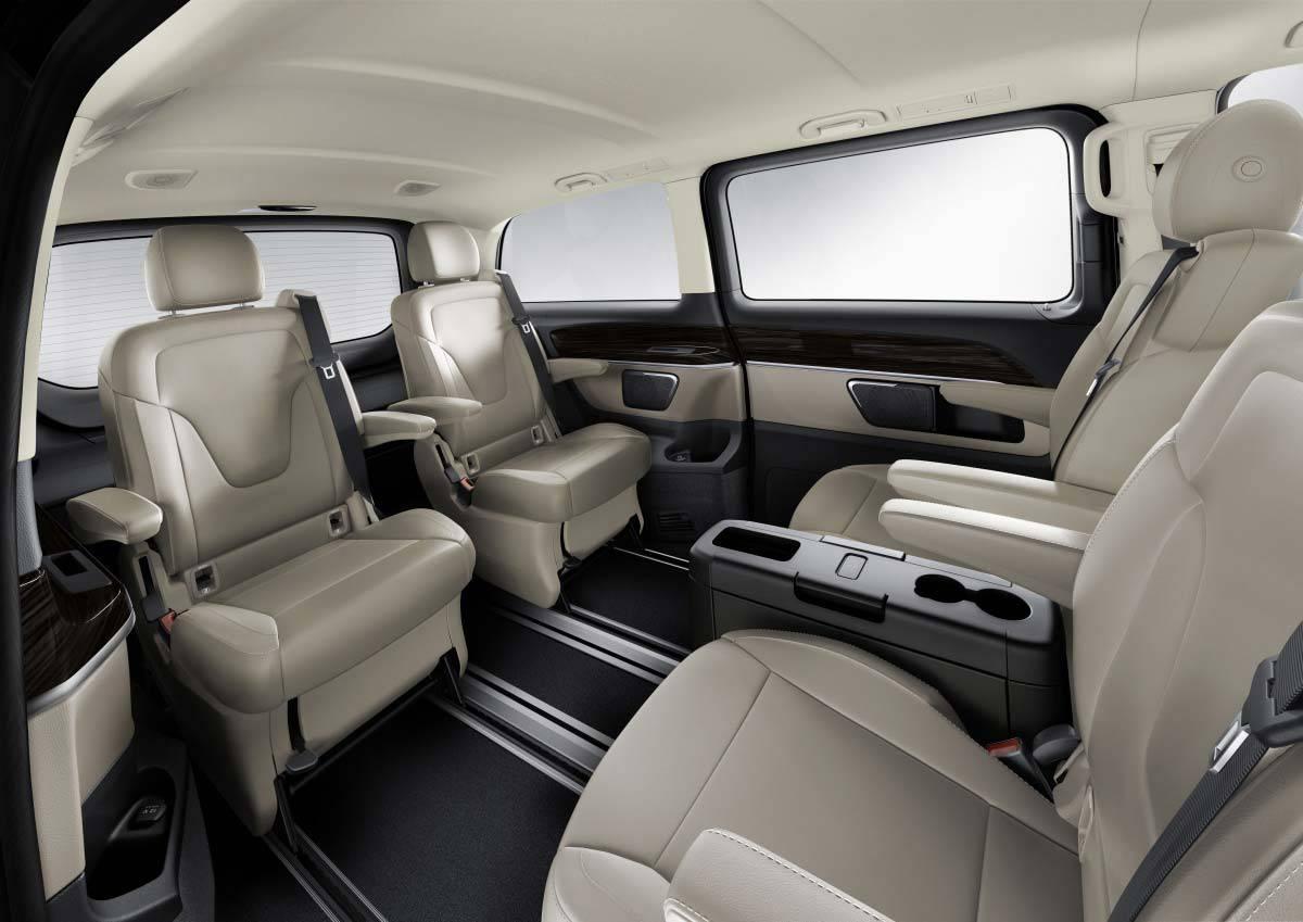 _Mercedes-V-250-Bluetec-innen