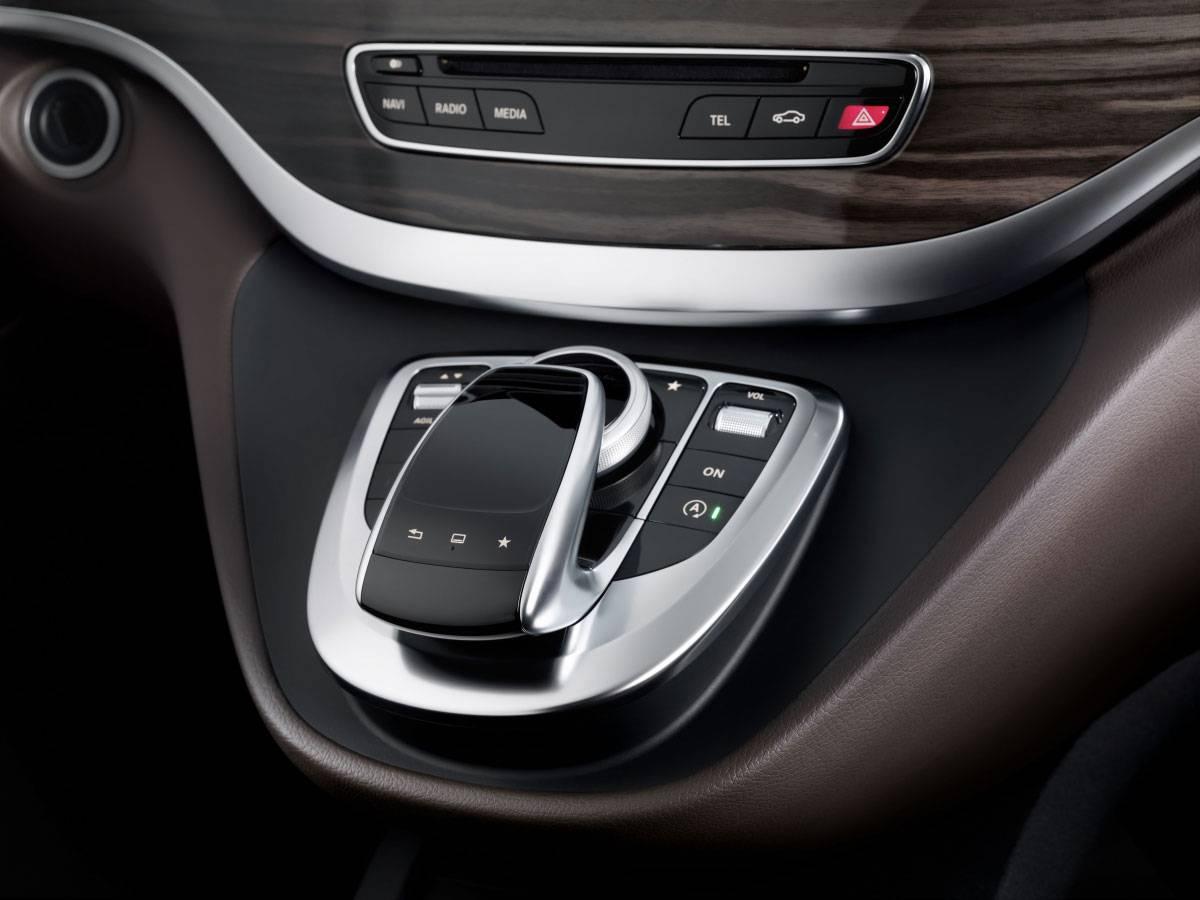 _Mercedes-V-250-Bluetec-mittelkonsole