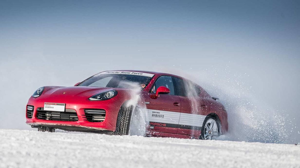 _Porsche-Snow-Force-(7)