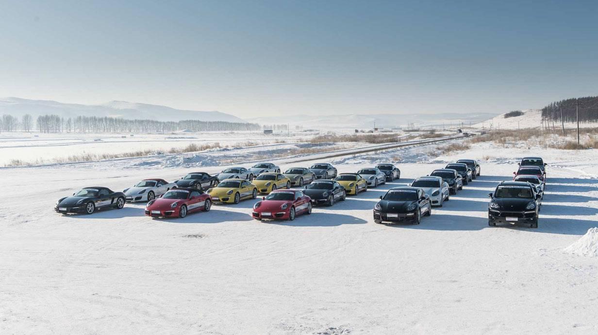 _Porsche-Snow-Force-autos