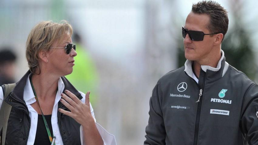 Sabine Kehm 2010 beim Grand Prix von Süd Korea mit Michael Schumacher.