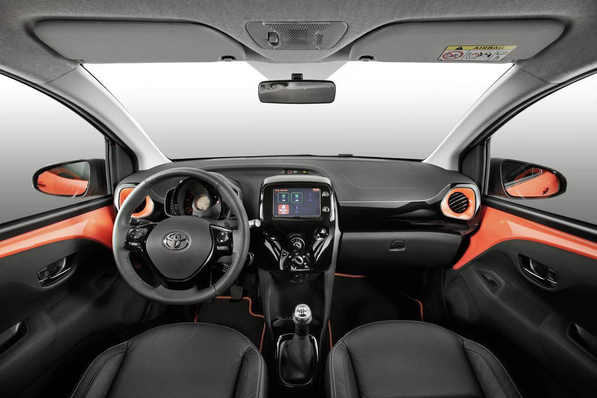 neu toyota aygo 2014 modellvorstellung. Black Bedroom Furniture Sets. Home Design Ideas