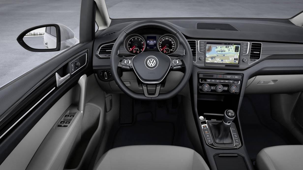_VW-Golf-Sportsvan-innen
